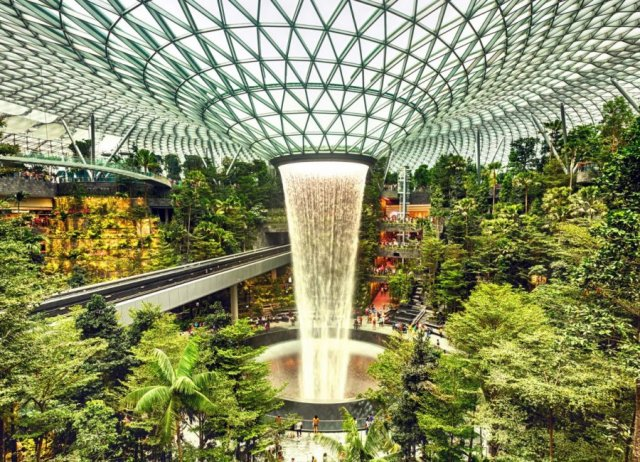 فرودگاه چانگي سنگاپور بهترين فرودگاه در دنيا
